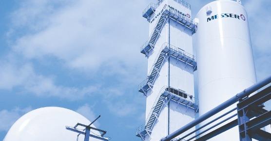 Renovación de plantas y construcción de tuberías